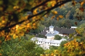 Manastirea Polovragi - 10003 Manastirea Polovragi