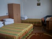 Camera 3 locuri